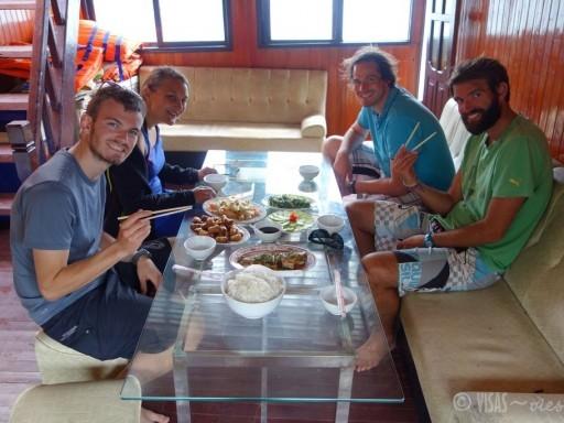 Catba-bateau-sans-touristes (28)